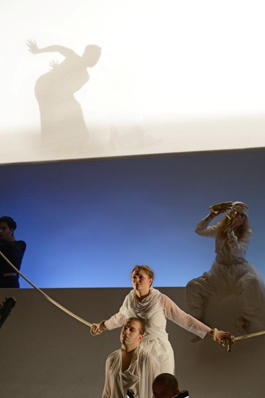 """E. Cavalieri """"Rappresentazione di Anima e di Corpo"""" (Oper Frankfurt, 2013 - Foto: Barbara Aumüller)"""